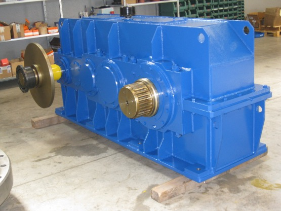 MECCANICA 2 ELLE - PRODUCTS - PARALLEL SHAFT AND BEVEL HELICAL GEARBOXES